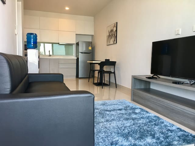 ** 1BR Good Location Beautiful Home w Good View