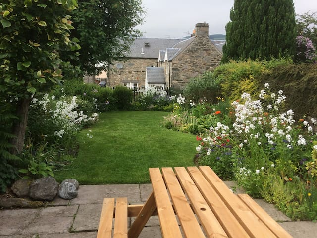 Dog and child friendly cottage in Aberfeldy