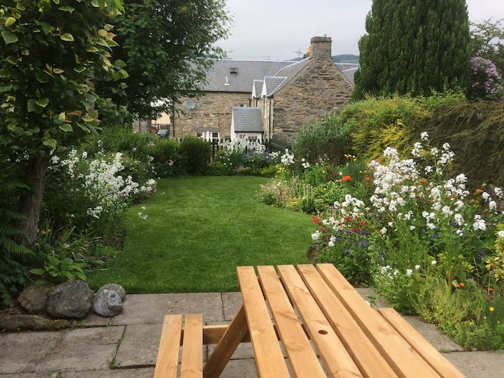 Cosy, dog & child friendly cottage in Aberfeldy