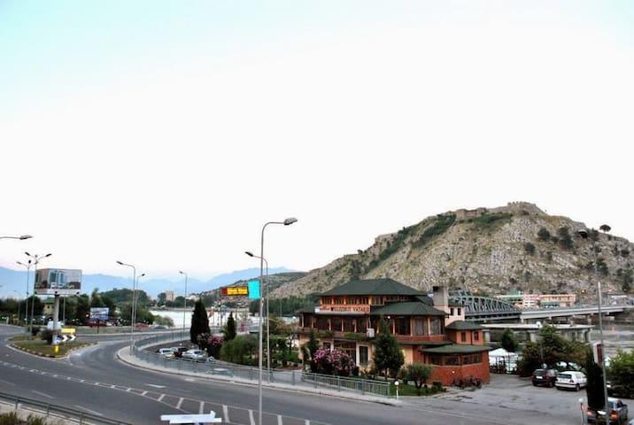 Vellezerit Vataksi - Shkodër - Bed & Breakfast