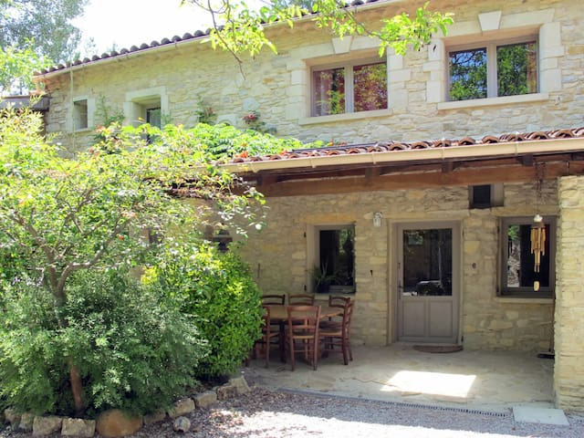 House Domaine Chante L'Oiseau for 8 persons