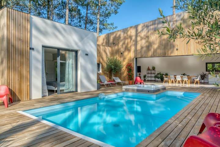 Villa avec piscine, jacuzzi et sauna
