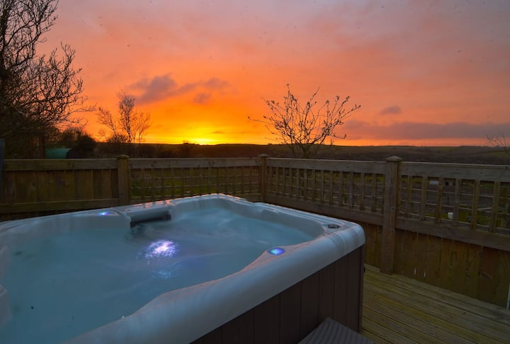 ♥️♥️ Romantic hot tub cottage near Padstow for 2 - amazing location ♥️♥️