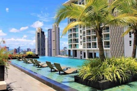 芭堤雅五星豪华海景公寓(里维拉一期)A栋正海景24楼,Riviera Wongamat Beach