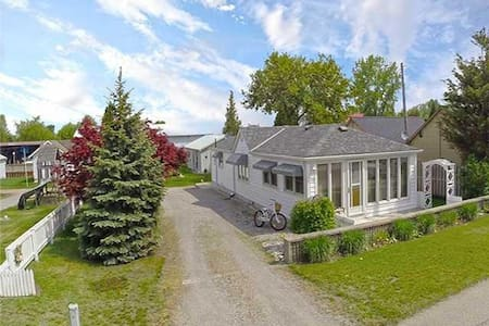 Land and sea - this one has it all - Port Rowan