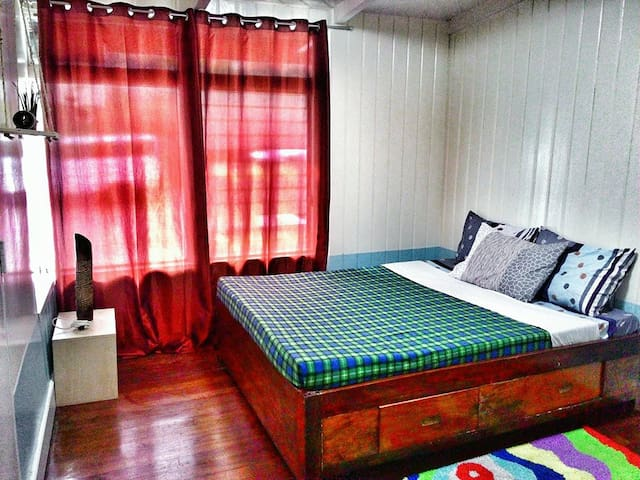 Wright Park Rm @ the Old Orangewood Bed&Breakfast - Bed & Breakfast
