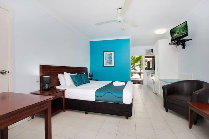 Cairns City Palms - King Suite