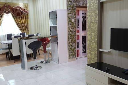 Amazing Apartment with 3 bedrooms - Ujong Pasir - Leilighet