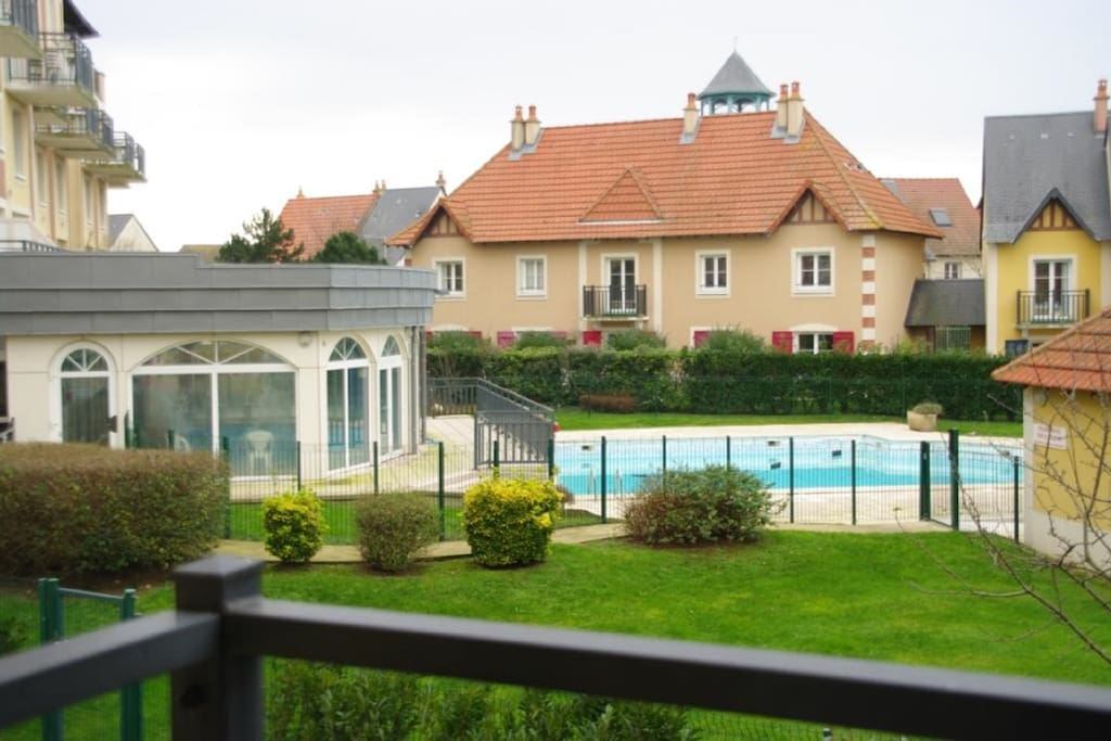 Fmc dives pierre maison bord mer avec 2 piscines for Camping dives sur mer avec piscine