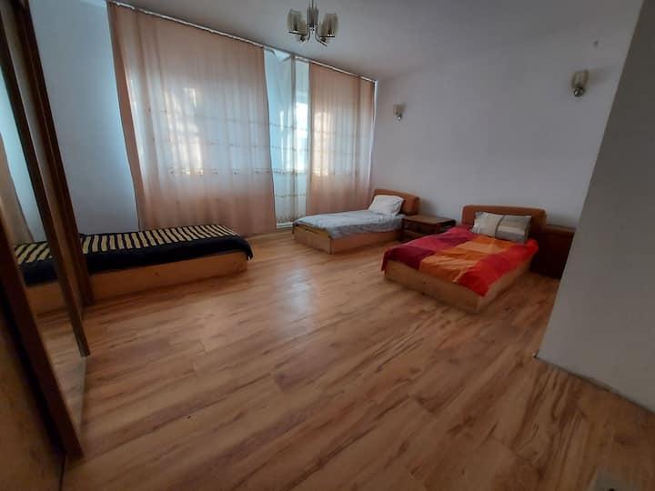 Hostel LL Sanandrei