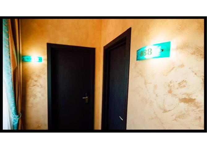 Khan-Chinar Hotel3