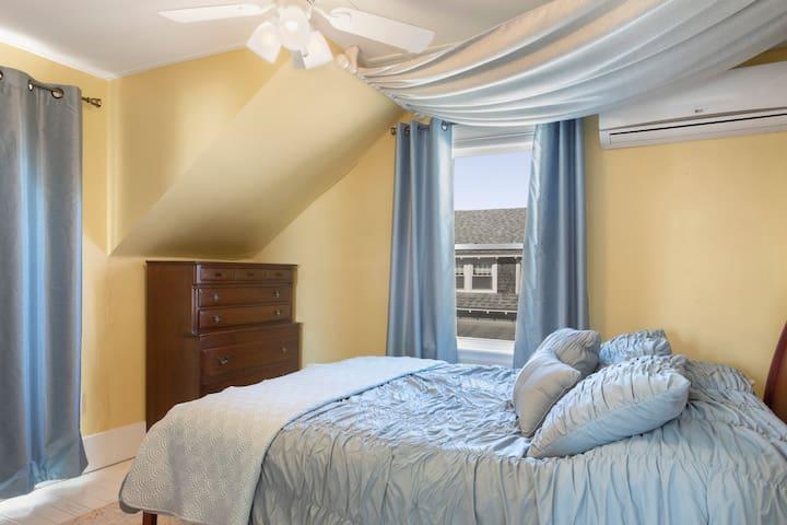 Bedroom #3 queen bed with ocean view
