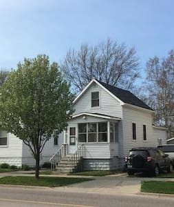 New and remodeled Cozy home in the heart of GH - Grand Haven