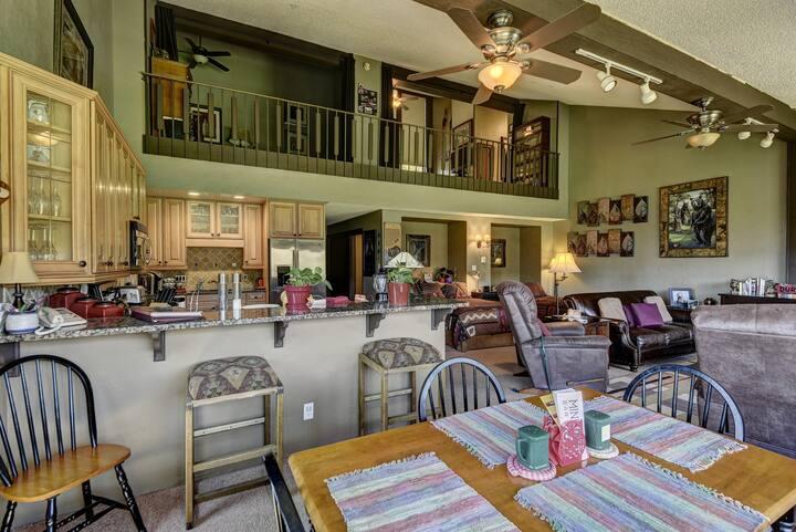 SUITE 501 at Tamarron-No Resort Fees & Golf Access