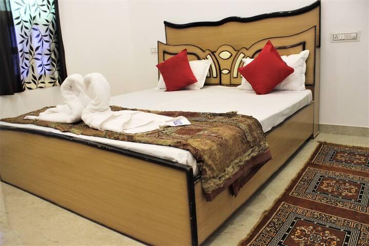 Rising Shemesh Home Stay(Budget)