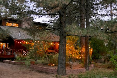 The Artist's Chalet in Kachina Village, Flagstaff - Flagstaff