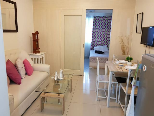 Cozy Condo Hotel in the heart of Makati City