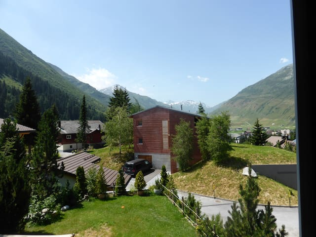 Sunny apartment in Andermatt - Andermatt - Lägenhet