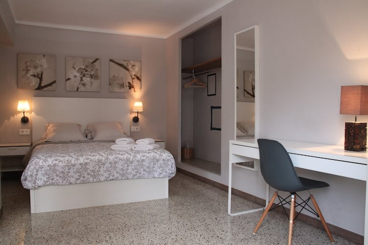 IXA-1 Three rooms apartment in Manresa centre