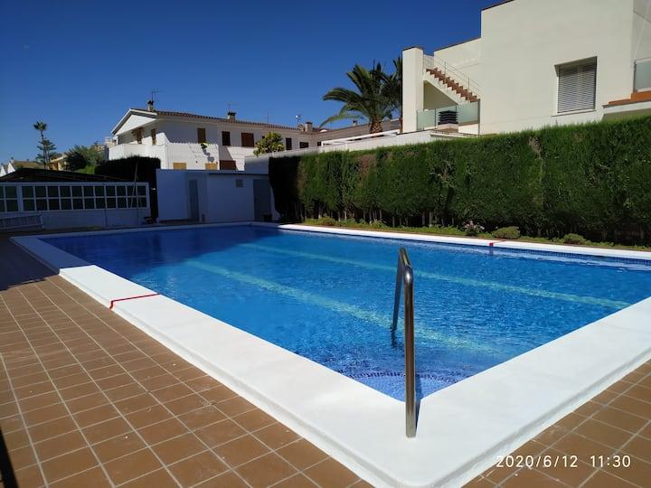 Apartamento con piscina cerca de la playa Torreon