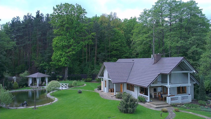 A country chalet for rent. - Michałów-Grabina - Gjestehus
