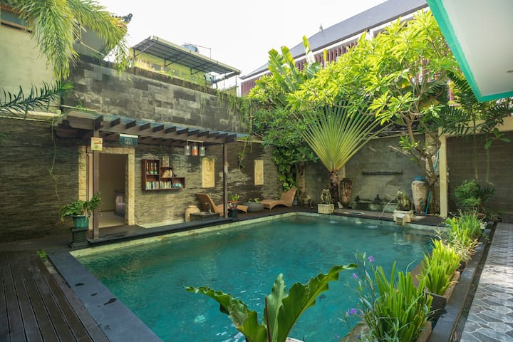 Affordable Private Room with Swimming Pool Kuta