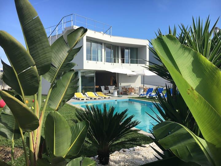 Villa Oporto Beach (15min drive to Oporto)