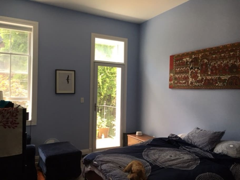 Spacious 2br Fort Greene Apartment With Yard Apartments