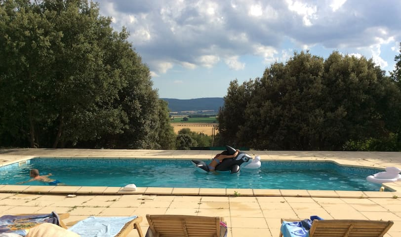Beautiful Provencal house with great swimming-pool