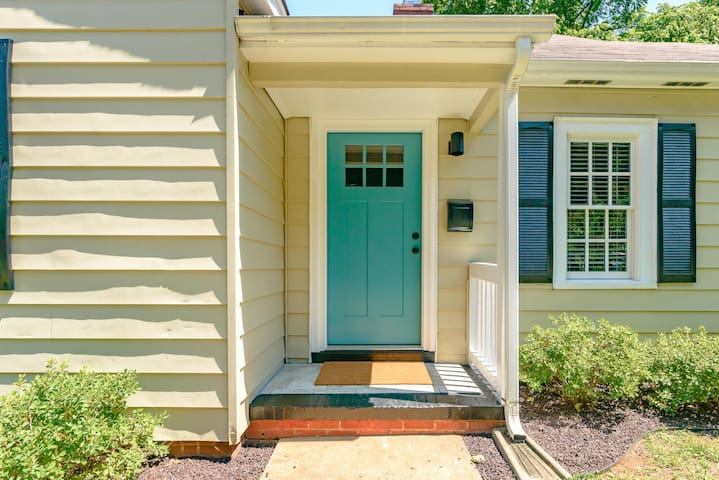 Charming and Chic 3BR near UNCSA and Downtown