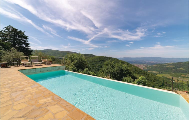 Holiday cottage with 1 bedroom on 50m² in Loro Ciuffenna AR