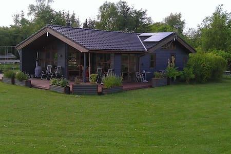 Sommerhus i salling - Roslev - Srub