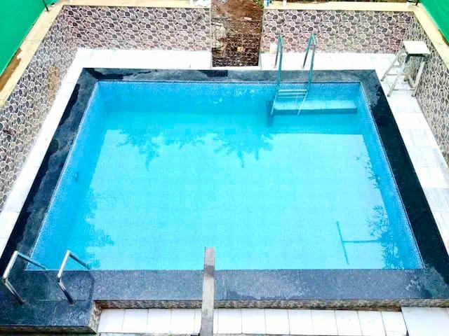 Lonavala. 2 BHK Villa with private swiming pool.
