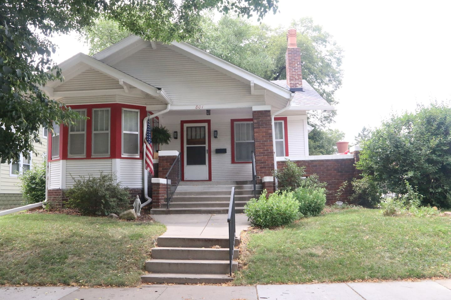Welcome!  Step in and stay, and enjoy all that Lincoln and this charming little bungalow has to offer!  You won't be disappointed.