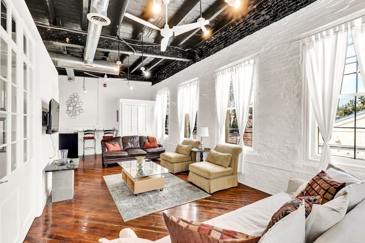 Wonderful loft unlike any other in historical area