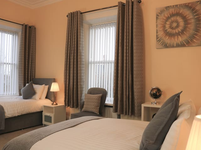 Family Deluxe Ensuite - Sleeps 3