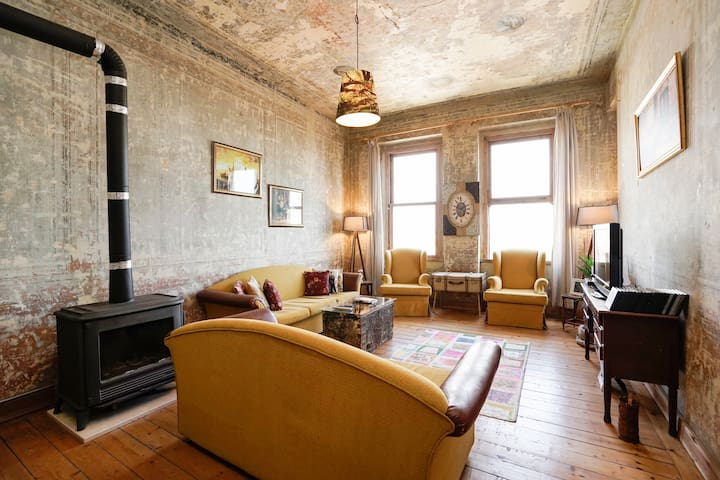 Historic Flat With PooL and Sauna! - Beyoğlu