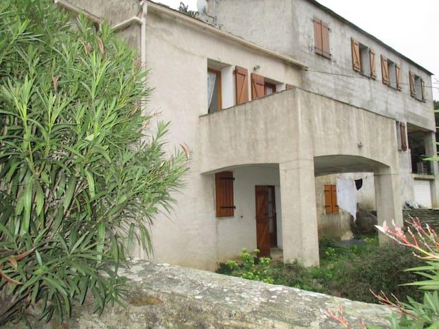 Maison de village au Cap Corse - Ersa - House