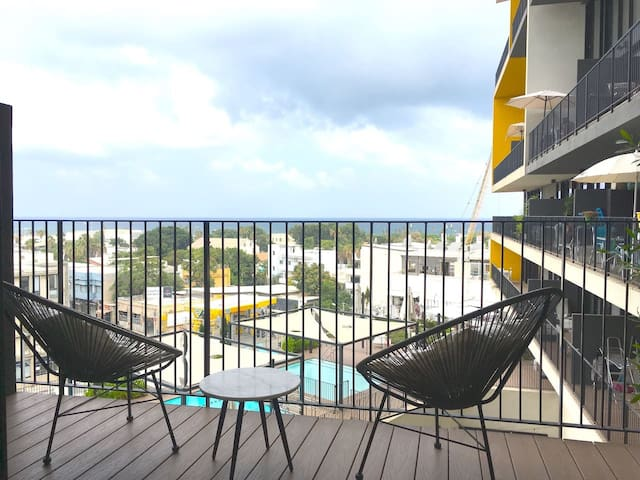 Sea view apartment+pool and free private parking