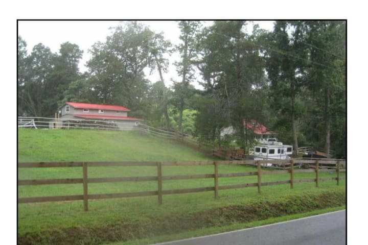 Lovely Barn apartment in Tryon Hunt Country