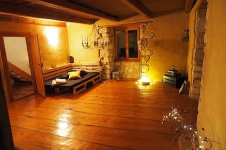 Haus mit Schwimmteich & Garten - Coeuve - Rumah