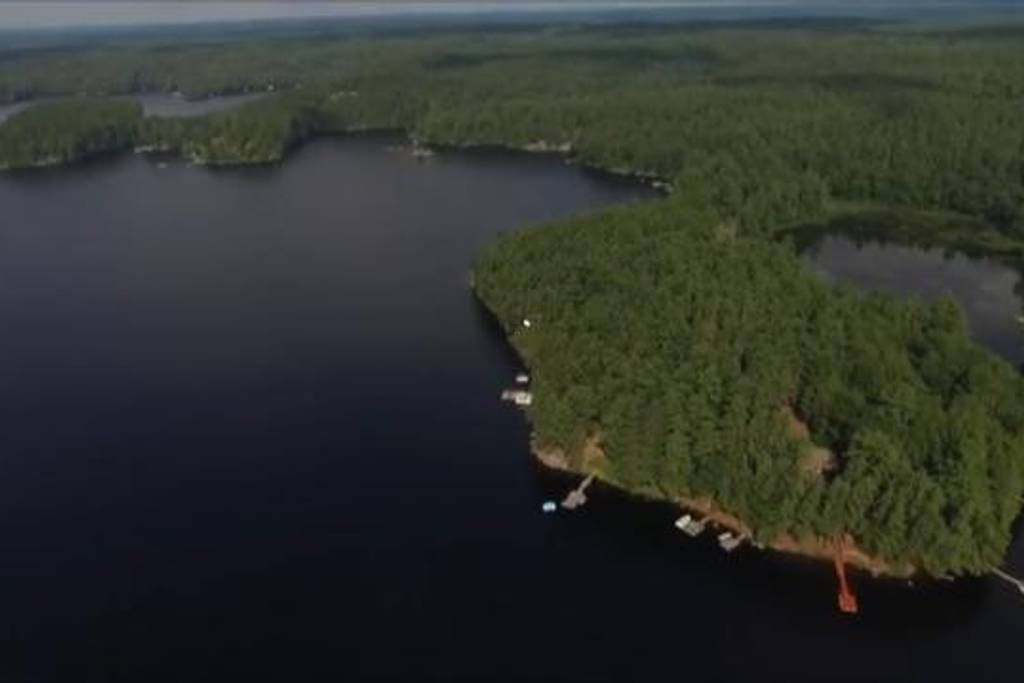 View from above- the red dock on the right bottom corner is the spot!