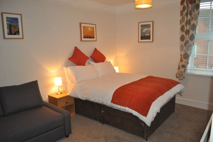 Woodlands - Abbey Room