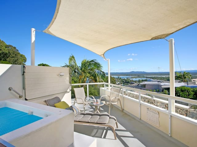 Noosa - Little Cove Penthouse