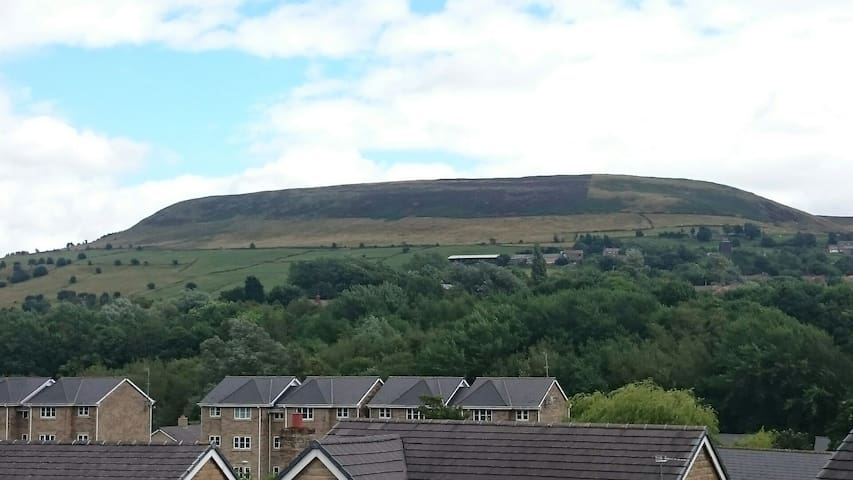 View from bedroom window - Mossley - Huis