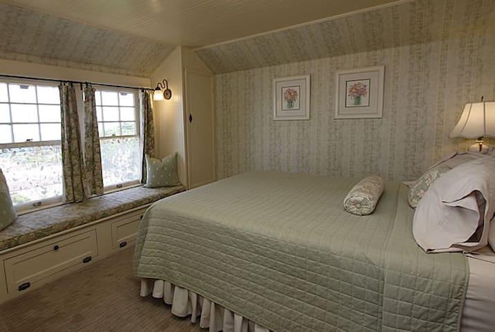 The Mimsy Room at the Jabberwock Inn