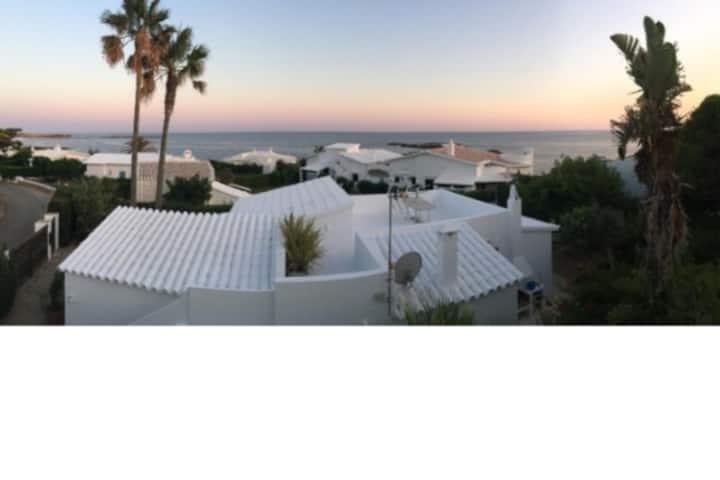 Preciosa casa a 50 metros del mar