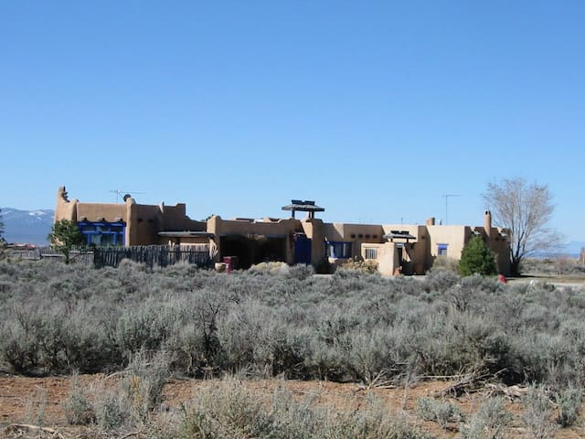 Artists Home on the Mesa