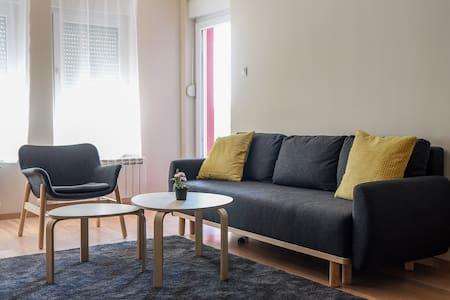 Lux apartment in Pancevo 65m2 +25m2, Tamis Kapija