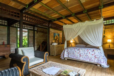 Big Bungalow for a group/family/couple near Ijen - Licin - Appartamento